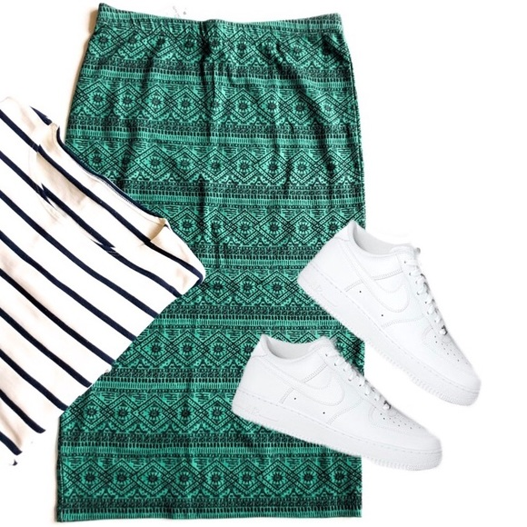 Dresses & Skirts - Aztec Print Midi High Waisted Skirt